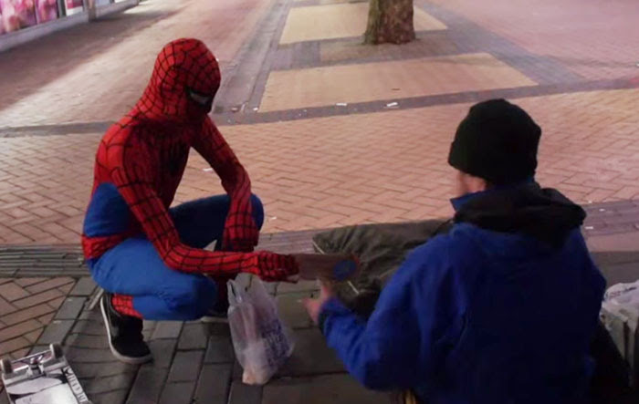 spider-man-helps-feeds-homeless-birmingham-uk-7