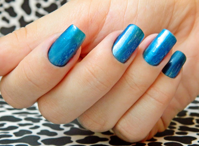 juliana leite blog unhas decoradas nail art azulcrination risque 004