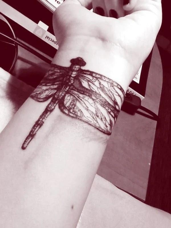 75 desenhos de tatuagem de libélula bonito e sexy 24 por Bryan