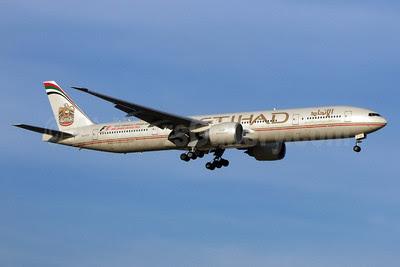 Etihad Airways Boeing 777-3FX ER A6-ETF (msn 39700) BKK (Jay Selman). Image: 402260.