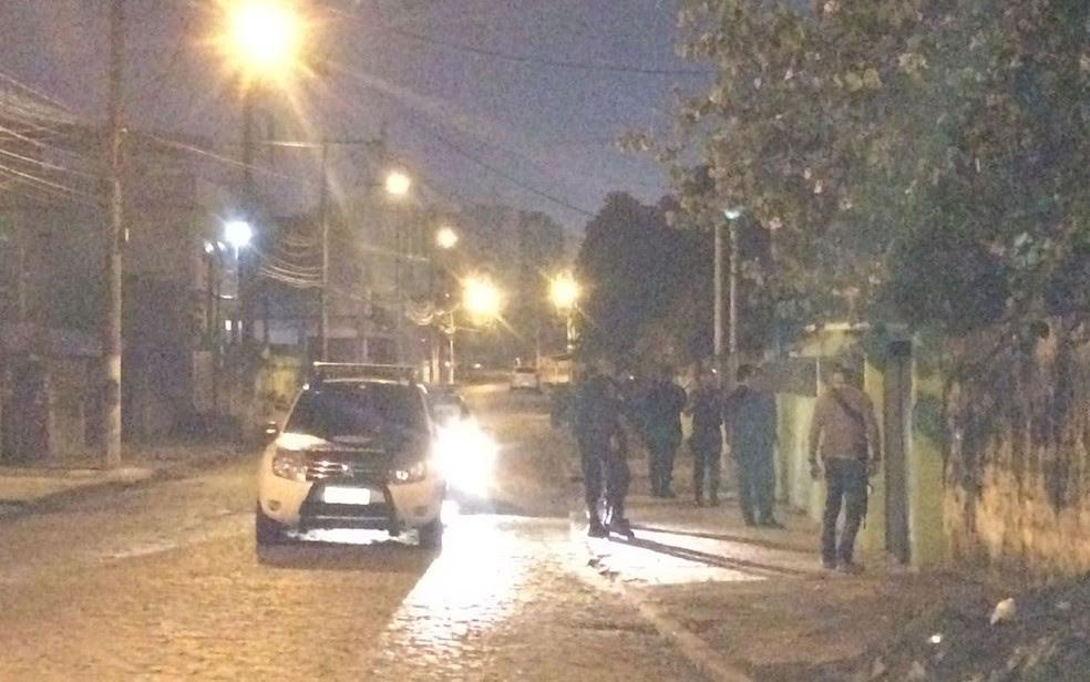 Policiais civis estão por ruas do estado para prender PMs e traficantes (Foto: Fernanda Rouvenat/G1)