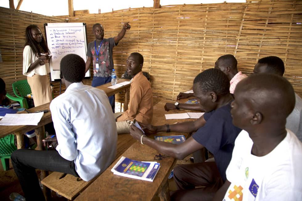Sesión de #Defyhatenow y CEPO sobre discursos de odio organizada en un Sitio de Protección de Civiles en Juba.