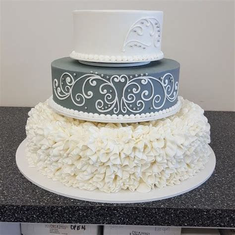 25  best ideas about Scroll Wedding Cake on Pinterest