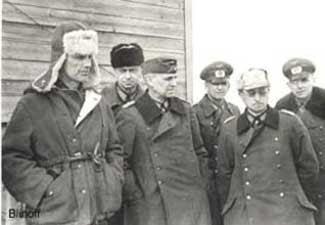 http://www.jewishvirtuallibrary.org/jsource/images/russia/Stalingrad_Paulus.jpg