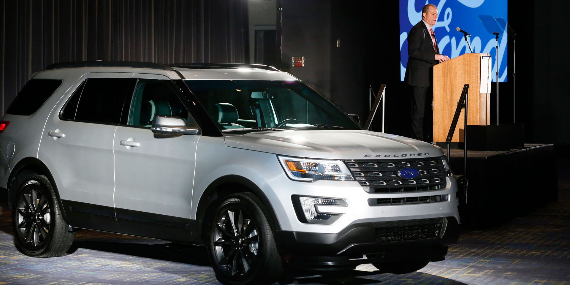 2017 ford explorer xlt sport appearance vehicles on display