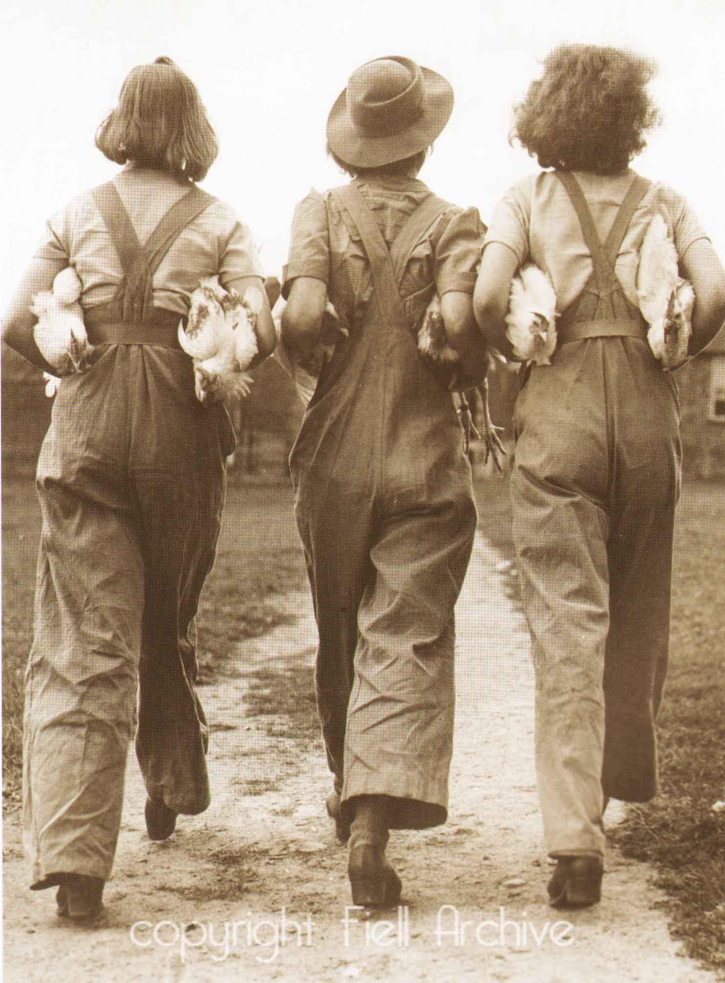 1940s FASHION 3 land girls1