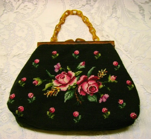 VTG BLACK NEEDLEPOINT PURSE WITH ROSES PLASTIC BUTTERSCOTH HANDLE