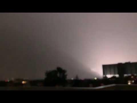 Vídeo: Pánico por luces en el firmamento durante el terremoto de magnitud 7,1
