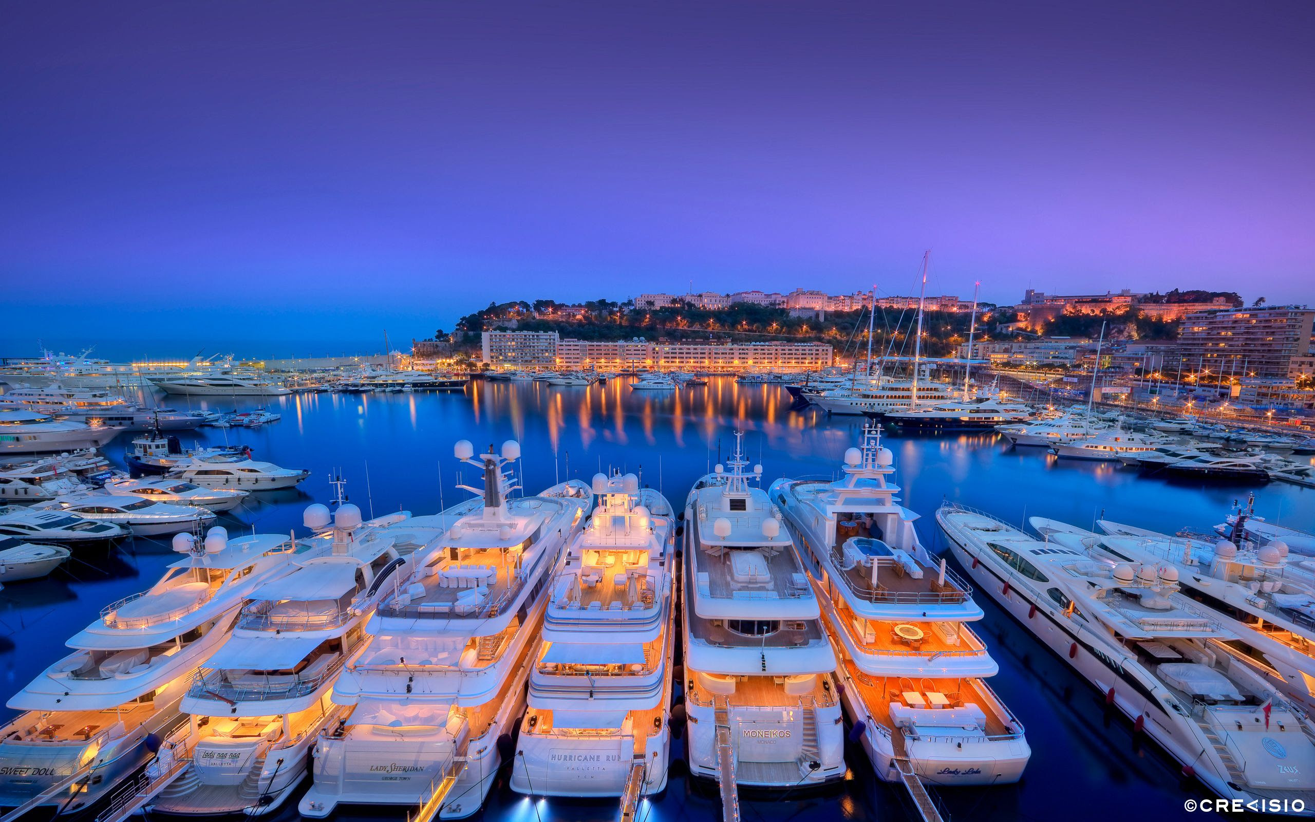 Монте-Карло (Monte-Carlo) — район в малюсеньком княжестве Монако, знаменитый своим казино, а также ежегодно проходящим здесь ралли «Формула 1».Монте-Карло считается самым престижным и респектабельным казино мира.Место, переполненное людьми, эмоциями и шиком.