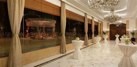 Wedding in New Delhi : Venue & Room   Shangri La's Eros Hotel