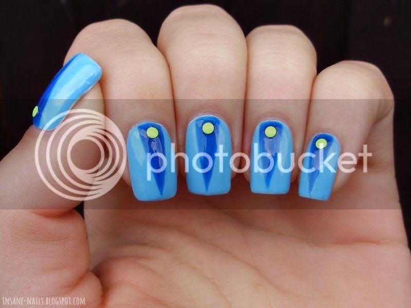photo blue-colorblock-nails-3_zpsea316286.jpg