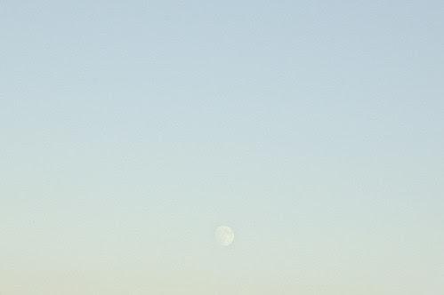 20070924_PH_moon_over_76_2_1_web.jpg
