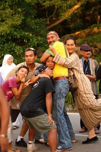 celebrating end of mukhsin shoot