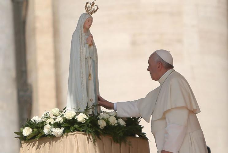Resultado de imagem para papa francisco em fatima