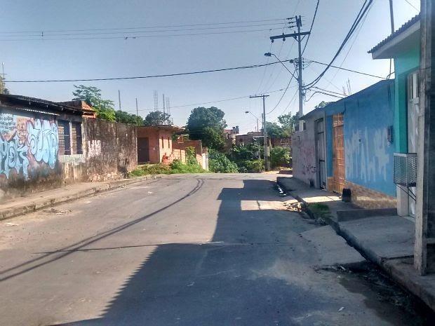 Assaltos são comuns na rua, segundo moradores (Foto: Suelen Gonçalves/G1 AM)