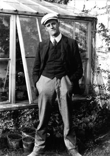 James Joyce, en una fotografía de su juventud.
