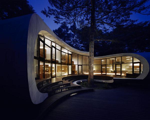 Futuristic Home in Karuizawa, Japan by Artechnic Architects ...
