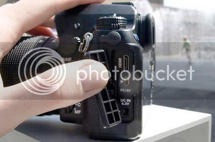http://i396.photobucket.com/albums/pp44/tdmit/MayAnhPentaxK-7.jpg