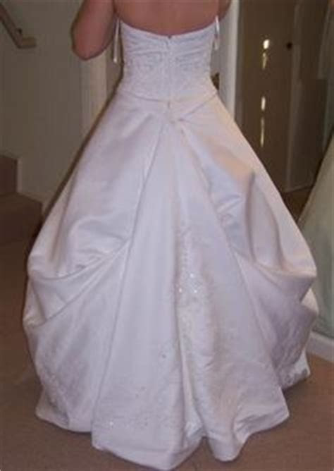 wedding dress 411 on Pinterest   Veils, Wedding dresses