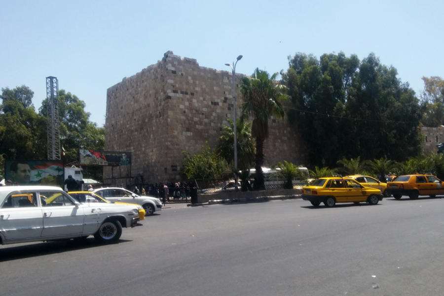 La retirada de checkpoints ha agilizado el denso tráfico de Damasco y otras ciudades (Foto: Pablo Sapag M.)