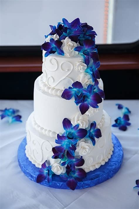 Waterfront Tampa Bay Wedding Round Up   MMTB Wedding Cakes