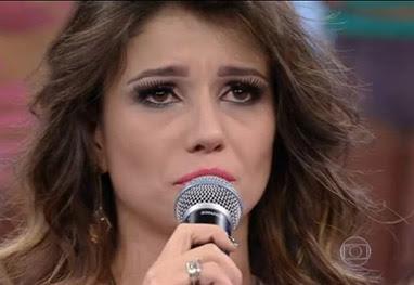 Paula Fernandes se emociona ao falar sobre seu pai no Faustão - Reprodução TV Globo