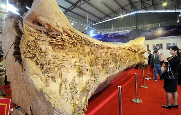 Longest Escultura em Madeira (5)