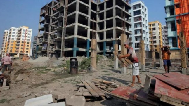 Noida administration seizes 32 builders' properties worth Rs 344.23 cr over non-payment of dues https://ift.tt/2U8m5SN