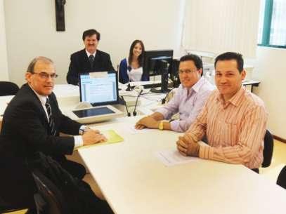 Advogados das partes assinam acordo que encerra imbróglio de mais de seis anos Foto: Comarca de Joaçaba / Divulgação
