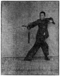 《昆吾劍譜》 李凌霄 (1935) - posture 62