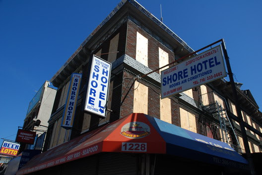 Thor Plywood-Shore Hotel