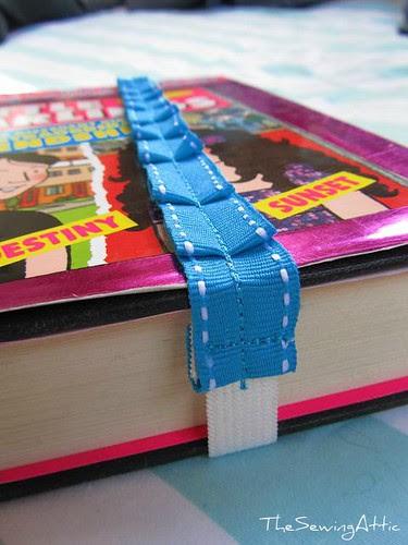 Pleated ribbon bookmark
