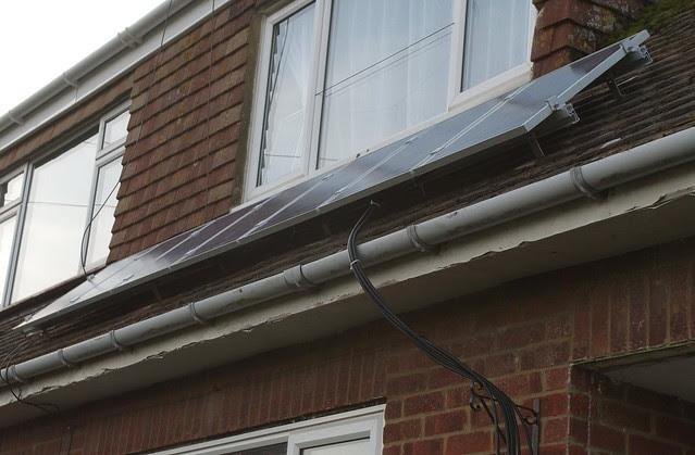 DSC_7183 Fitting solar PV