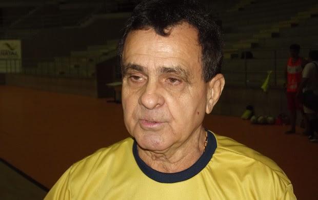 Arturzinho, técnico da equipe de futsal do América-RN (Foto: Jocaff Souza)