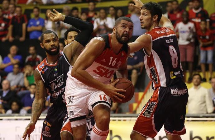 Flamengo x Limeira NBB basquete (Foto: Luiz Pires/LNB)