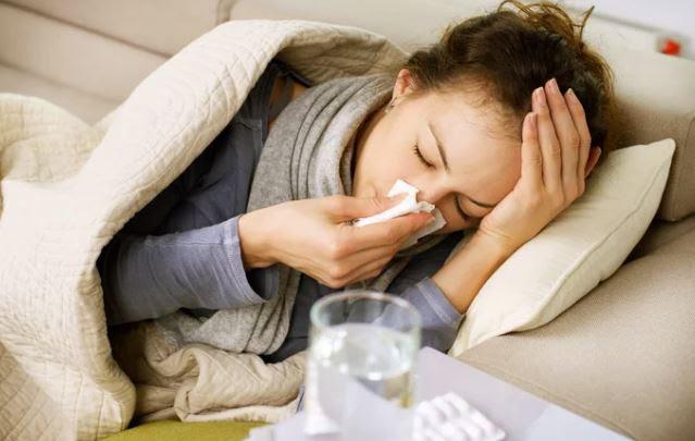 Κρυολόγημα και γρίπη: Πως θα ανακουφιστείτε από τα συμπτώματα