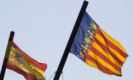 A Valenciana (R) e uma bandeira espanhola.