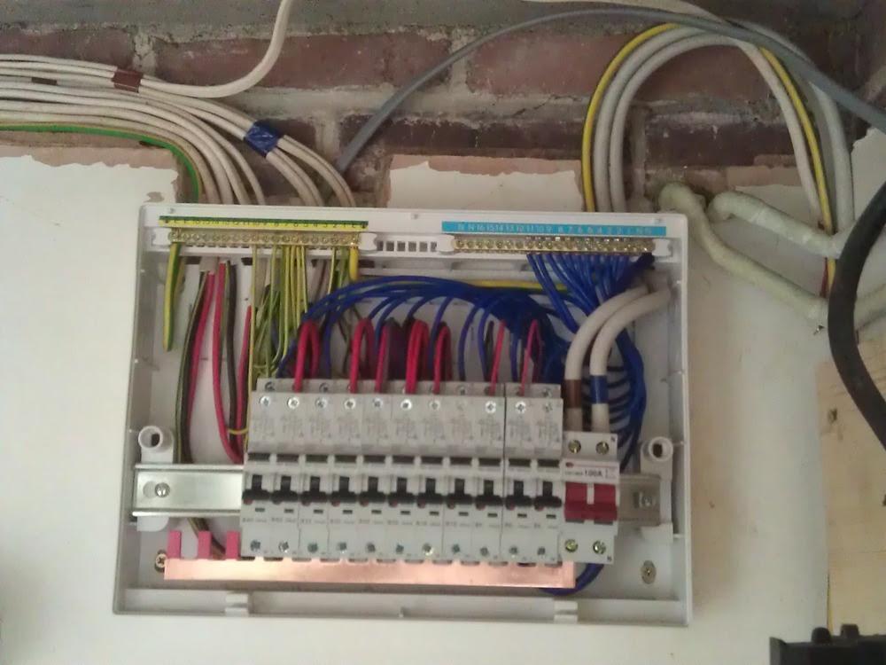 replacing old fuse box consumer unit image 9