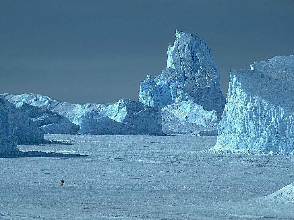 greenland-iceberg-inuit