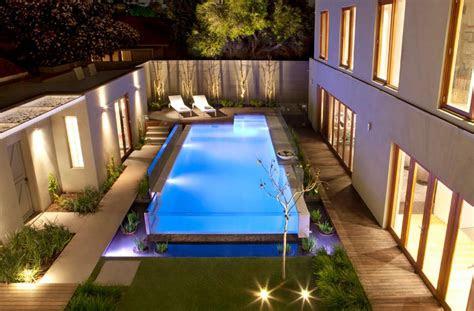 swimming pools reveal  world full  surprises