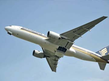 Singapore Airlines Jet Minutes Away When MH17 Shot Down