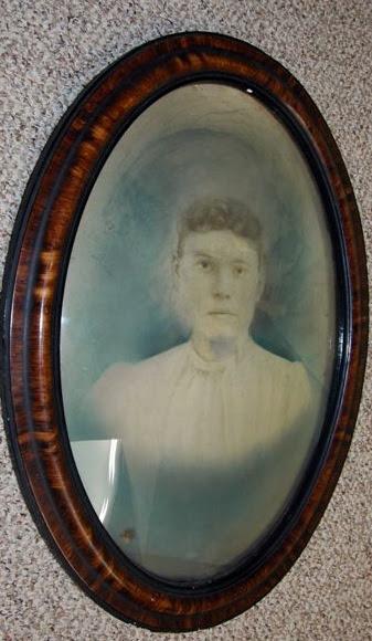 Mondo Lizzie Borden Lizzie Portrait For Sale