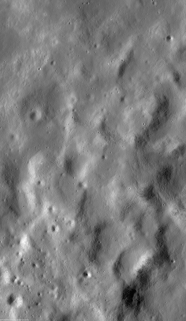 Hansteen α (LROC NAC)