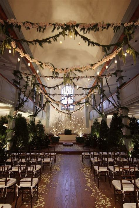 25 Romantic Winter Wedding Aisle Décor Ideas   Winter