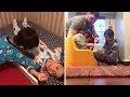 Simon, 4 años, tiene síndrome de Down. Y ayuda a sus 3 hermanitos discapacitados