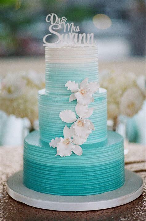 25  best ideas about Teal cake on Pinterest   Aqua cake
