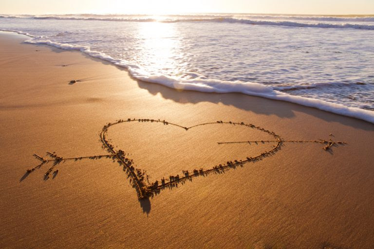 via0.com - 12 Romantic Gestures to Show How Much You Care