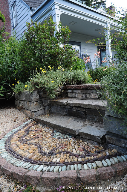 Patterned stone step