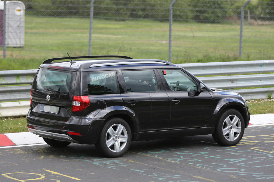 Skoda's new large SUV, due later this year, will be closely related to ...