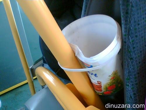 cos gunoi autobuz